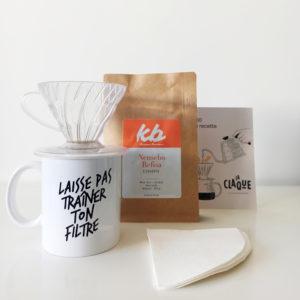 Kit Découverte avec notre mug, 250g café, des filtres, un porte filtre v60 et une carte recette